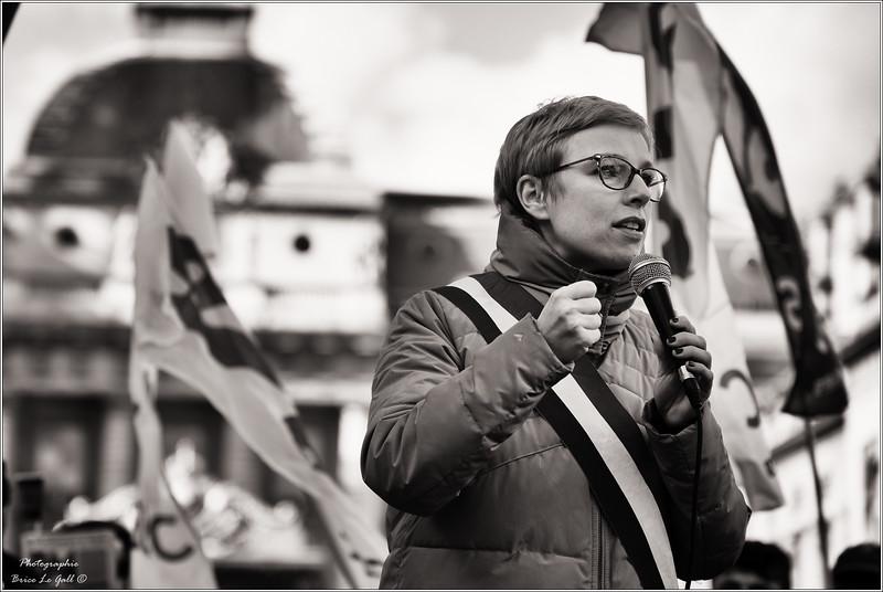 Clémentine Autain en soutien à Attac lors du procès intenté par Apple. <br /> Paris le 12 février 2018.