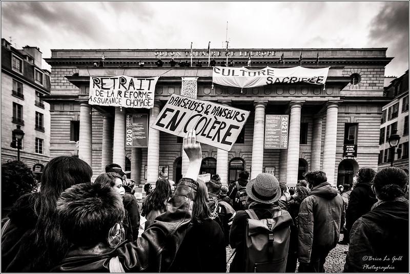 Parvis du théâtre de l'Odéon, Paris, 23 mars 2021.