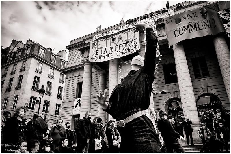 Parvis du théâtre de l'Odéon, Paris, 27 mars 2021.
