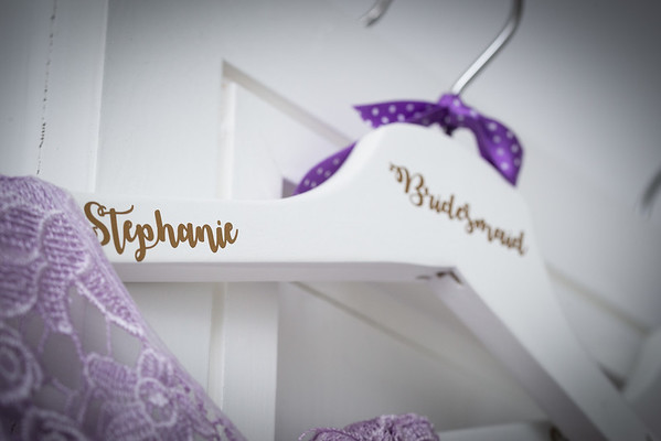 Personalised hangers for the bridesmaids' dresses
