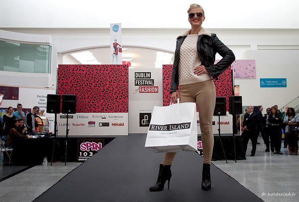 Défilé de mode femme