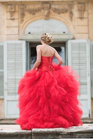 Les robes d'Isabelle Dupéré -  Les marches du château