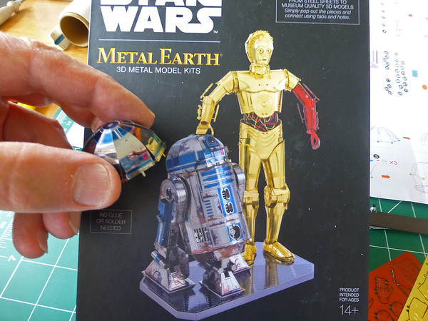 R2 Box w Head
