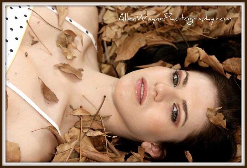 http://www.allenwaynephotography.com/Model-Portfolios/Adrienne/IMG0381/759274677_VBcEE-L.jpg