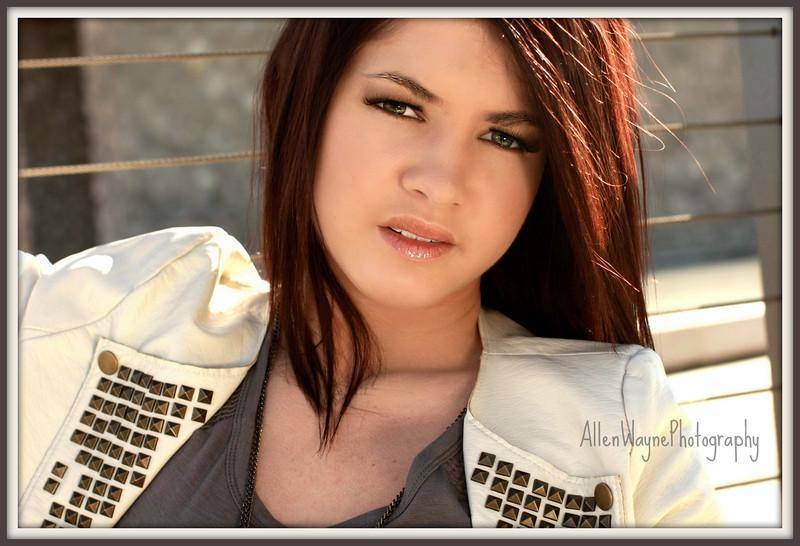 http://www.allenwaynephotography.com/Model-Portfolios/Caitlin/IMG0236pp/1157676561_g475K-L.jpg