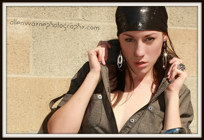http://www.allenwaynephotography.com/Model-Portfolios/Cori-11-01-10/IMG0902-1pp/1074065432_ubhQv-L.jpg