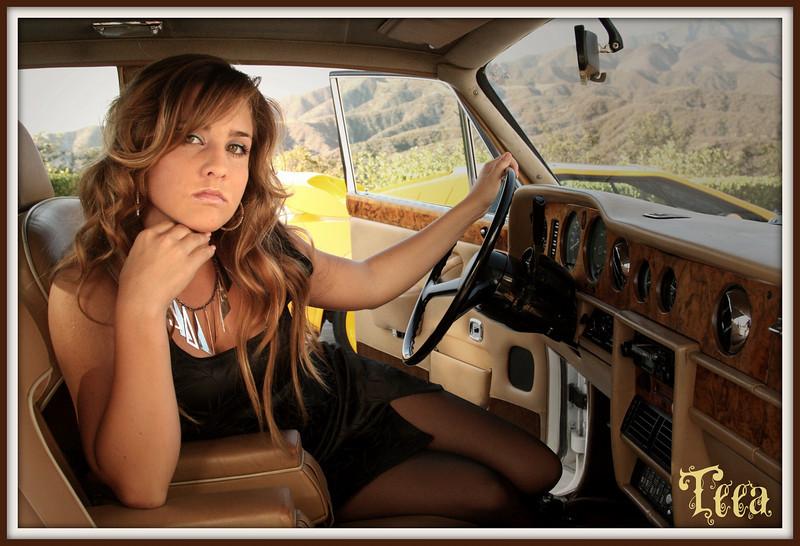 http://www.allenwaynephotography.com/Model-Portfolios/Teea/IMG0622/768209608_nDB4R-L.jpg