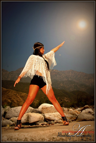 http://www.allenwaynephotography.com/Model-Portfolios/Tessa/i-FGF488Q/0/L/IMG0383-1edited-1-L.jpg