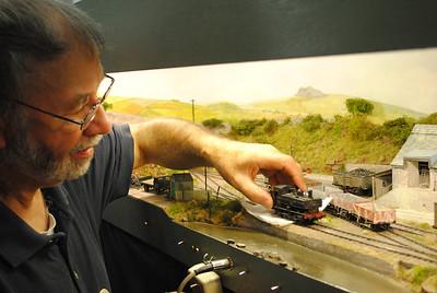 Railex 2011 Trerice, Ian Rice, Trerice's builder cleans the wheels of a Painner Tank.