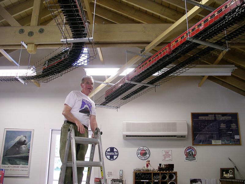 Ed Leska examines the static Daylight display, 6/17/2008