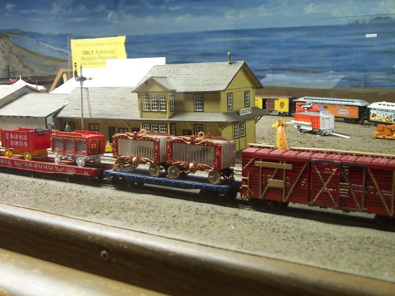 Giraffe checks out Goleta Depot as circus train passes through town.