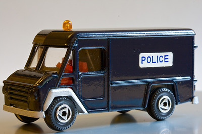 EFSI 1/77 scale Commer Walk Thru van. These vans were everywhere once...