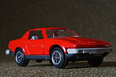 Dinky Triumph TR7 – a mid-sized model. As a child I was fascinated by the sprung bumpers that tried to emulate the real thing
