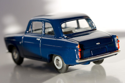 Vanguards 1/43 Ford 100E