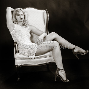 Sexy Girl Model Black and White 1810.017