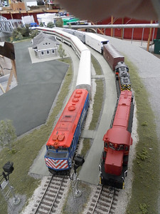 Iowa Interstate and Metra wait at the depot