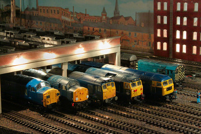 37003, 40075, 25062, D421 & 47035 line up on Barton Shed.  10/01/12