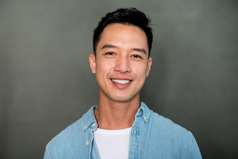 @thienticles 5'9   Shirt S   Pant: 30   Shoes 10   157 lbs Ethnicity: Vietnamese Skills: YouTuber (250k Subscriber), Vietnamese Actor, Fluent in Vietnamese, Improv Experience, Hosting Experience, Medical Field, Food blogger