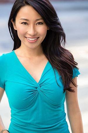 SAG Ami Haruna, @amiharuna I Age: 35 I Height: 5'5 I Weight: 100