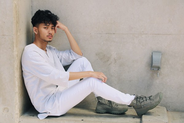 "@davincixcii 5'7"" | Shirt S | Pant 30 | Shoe 8 | 130lbs Ethnicities: Vietnamese Skills: Vietnamese American, Fluent in Vietnamese, Hip Hop Dancer, Choreograph, Choir Singer, LGBTQ Friendly."