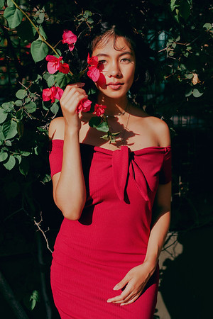 @faye.nightingale 5'7 | Shirt Small | Dress 4 | Bust 34C | Shoe 8 | 114lbs Ethnicity: Thai Mix Skills: Edgy Thai Musician, Real Photographer and Video Editor, Yoga, Tennis, Pianist, owns Guitar, singer in an indie band