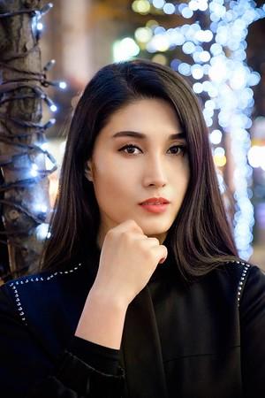 Chinese, 18-35, Female, New York