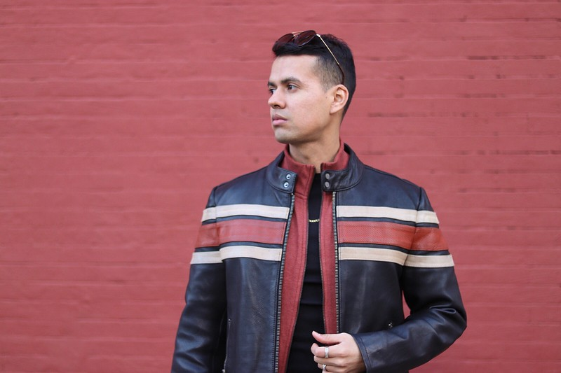 "@enriquecaned0 6' 1"" | Shirt M/L | Pant 32 | Shoe 10 | 165lbs Ethnicity: Latino Skills: Model for Print, Acting, Improv, Baritone Vocal Range, Salsa, Ballet, Snorkeling"
