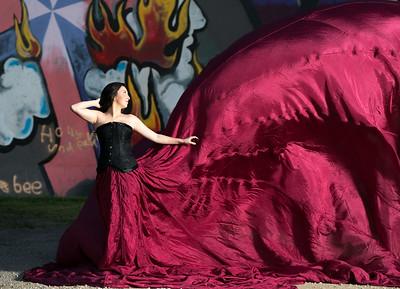 Parachute dress at the Graffiti wall