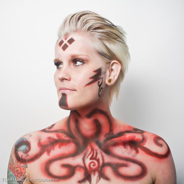 Snakes and Body Paints Body Painter Jennifer Simpson Model Chelsea Ridd