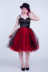Laura_Red_Dress_003