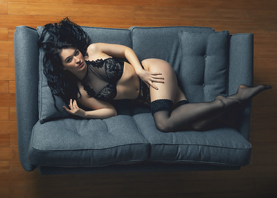 Boudoir with Belle Eve