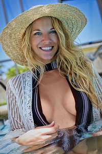 Natalie Anderson-9529-luminar