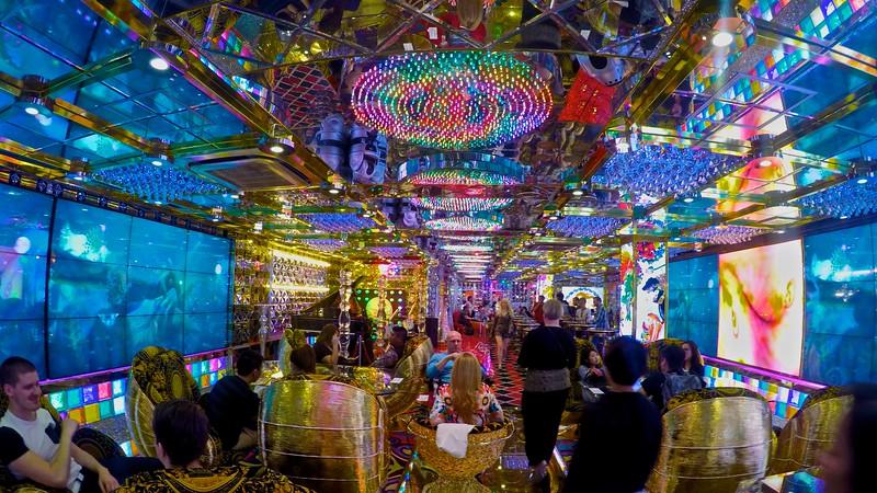 Robot Restaurant, Tokyo