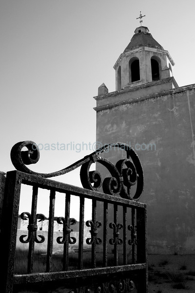 San Fernando church gate