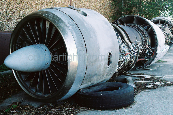 Jet engines and tire stop    © Brandon Lingle