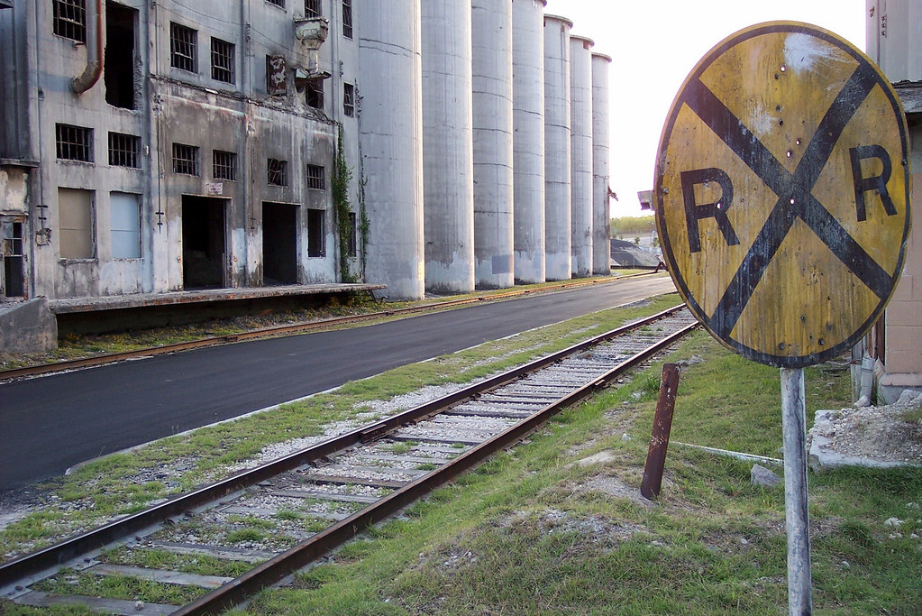 RR tracks and silos