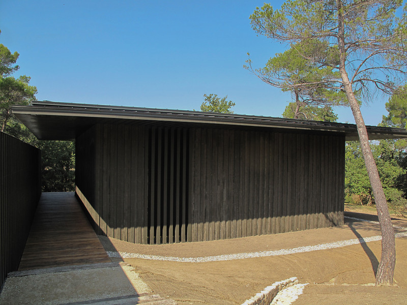 Chateau Lacoste Tadeo Ando Pavilion Four Cubes to Contemplate Our Environment