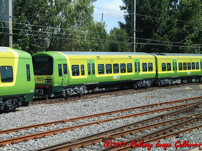 Mothballed 8200 class DART unit 8201/8401 sits at Fairview Depot, awaiting a future, on the 20th June 2011 - RIGalleries