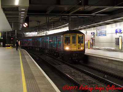 319449 arrives at St. Pancras International Low Level on the 14th February 2011 - RIGalleries