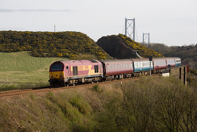 6th April 2011 with 67024 working the first of the evening's Fife Circle LHS at Jamestown Inverkeithing. - Peter Kellet