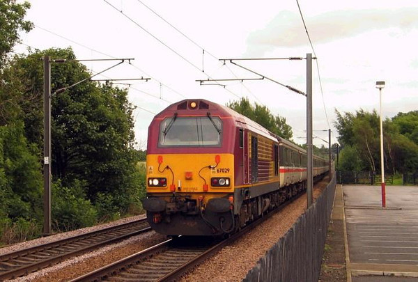 67029 glides past Sandal & Agbrigg station on 1E99 0905 Paignton-Newcastle, 17th July 2004. Image supplied by carlbeaumont