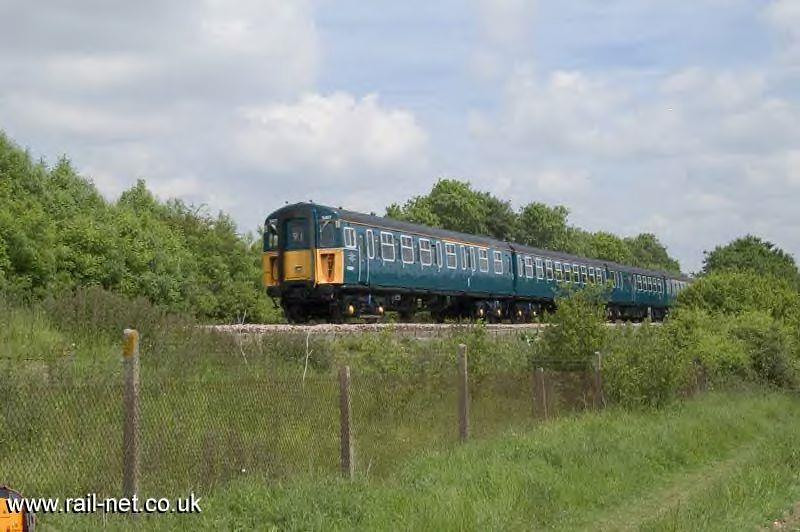 Freshly repainted 4-VEP 3417 heads west at Worting Junction. Image supplied by rail_net_2k