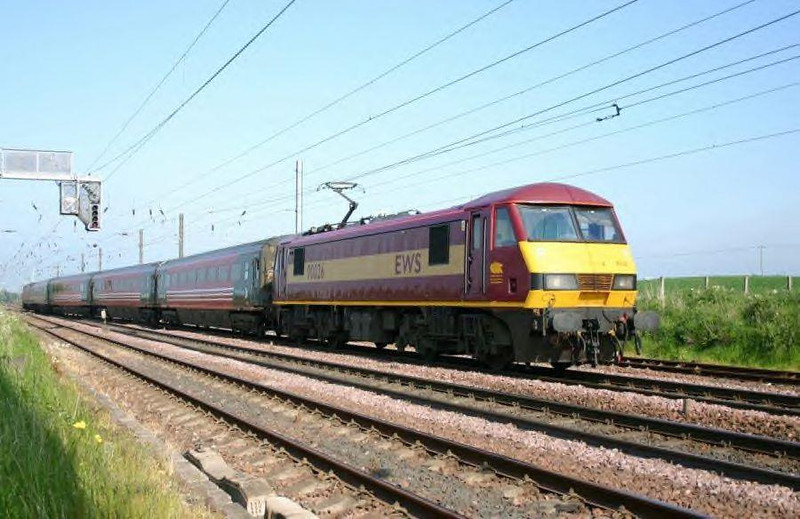 90026 crosses the Up ECML heading towards Drem. Image supplied by esc37428