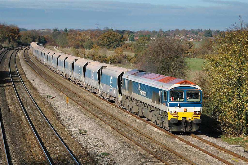 Mendip Rail 59102 7A09 diverted Merehead to Acton Yard Yeoman 'Jumbo' train. Lower Basildon, Berks. Friday 12th November 2004.  Image supplied by Chris Nevard.