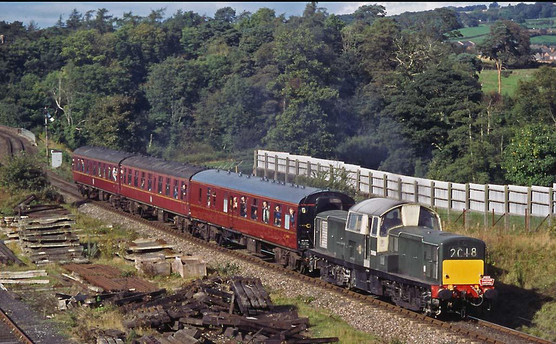 One driver described this class of diesels to me as 'A dance hall on wheels' due to the space in the cab.  D8568 again on 10th October 1998.  Image supplied by Peter Kellett.