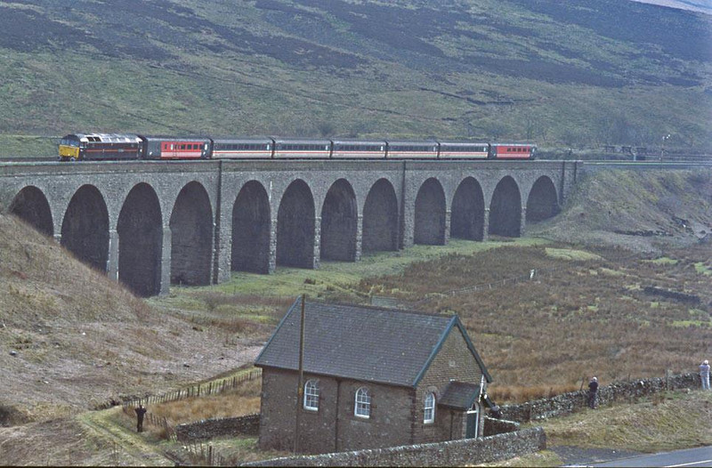 S&C drags 3. 47798 at Garsdale with 1S49 Birmingham International - Waveley.  23rd March 2002.  Image supplied by Peter Kellett.