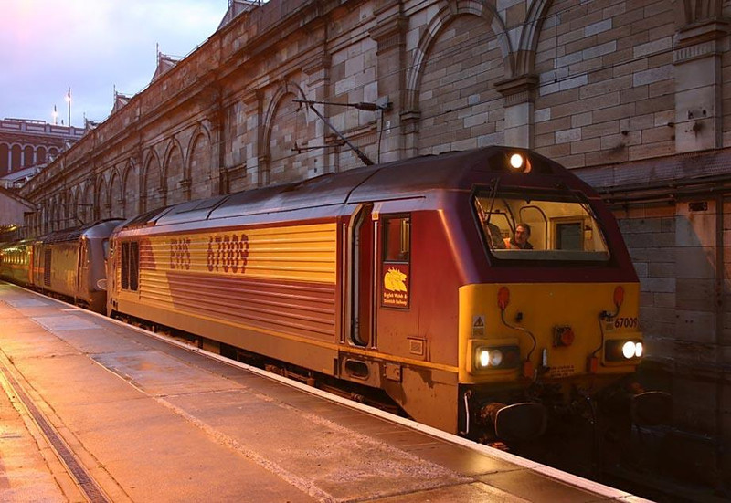 67009 hauling 43105, waiting to depart Edinburgh Waverley for Craigentinny after arriving from Inverness with the Up Highland Chieftan.  Image supplied by Ewan Tait.