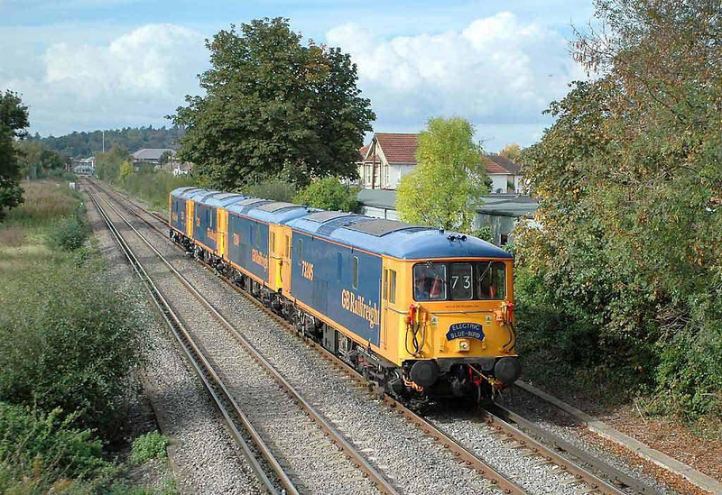 4 x GBRF 73's on the 12.30 0Z73 Tonbridge - Ludgershall passing Chertsey at 14.20 this afternoon (Friday 8th October).  Image supplied by Chris Nevard.