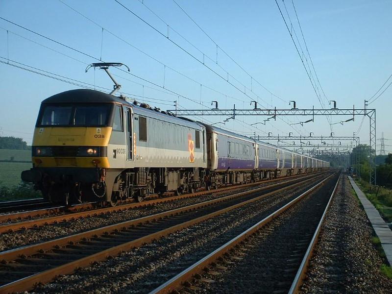 90038 on 1M11 near Ledburn Junction.  Image supplied by Mark Bearton.