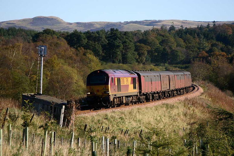67008 southbound at Bardrill Road with 5D03 Aberdeen - Motherwell vans.  Image supplied by Peter Kellett.